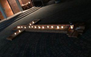 Kerzen und Fürbitten fanden Platz in der österlichen Bußzeit